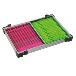 Tray met roze en groene tuigenplank